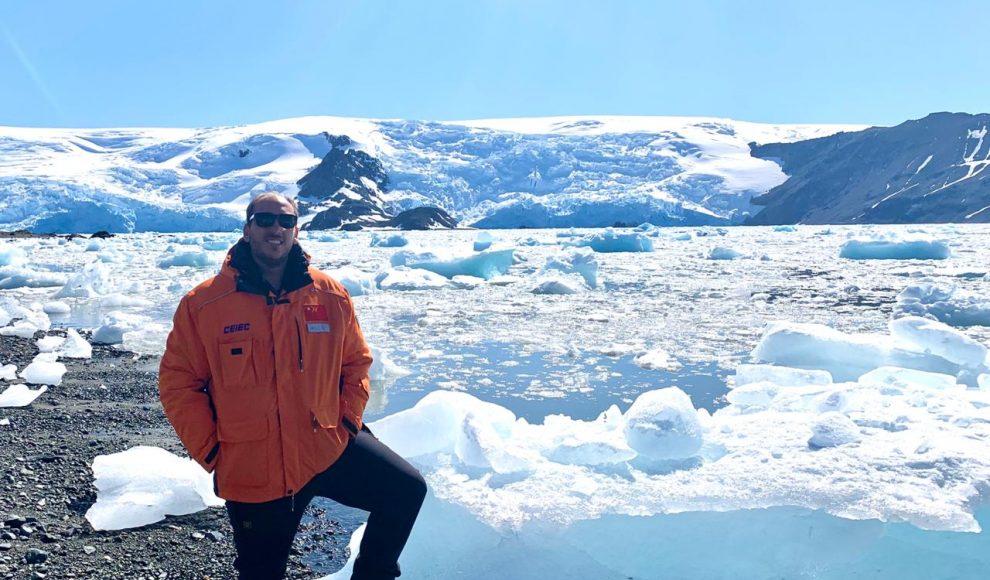 Um ribeirão-pretano na Antártica