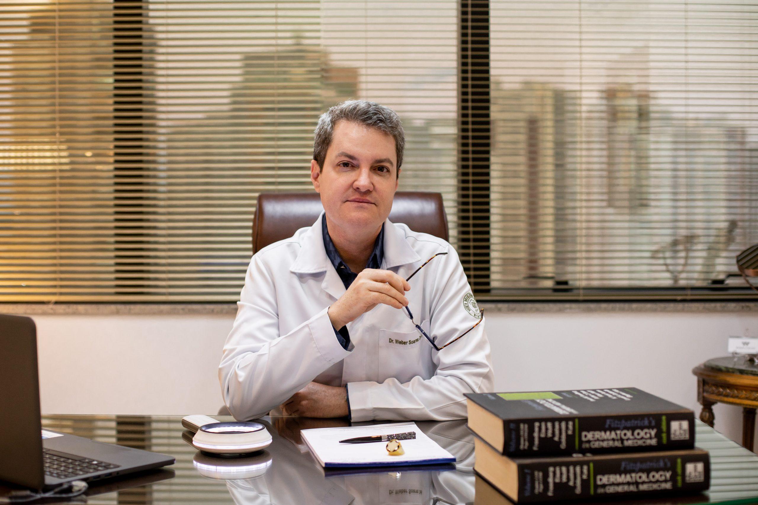Médico alerta para agravamento de doenças de pele causadas por estresse pelo isolamento social